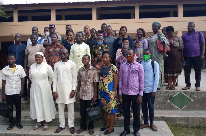 Elaboration de fiches pédagogiques: Les enseignants de la section APFB du Littoral-Est outillés