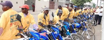 Taxi-moto: Une nécessité encombrante?