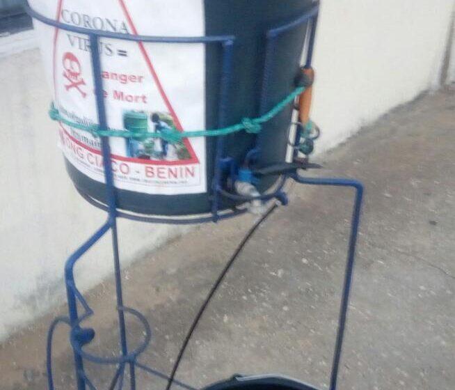 Lutte contre la COVID 19: Dispositifs de lavage des mains sans eau