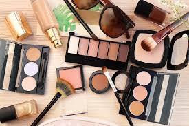 Maquillage: Indispensable ou non à la femme