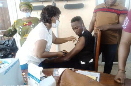 Vaccin anti-COVID: Flowers Hbc donne l'exemple
