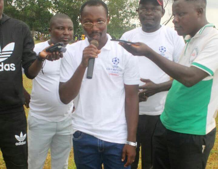 Football- Amos Champions League LANGANFIN: Amos LANGANFIN occupe la jeunesse de Zogbodomey par le football