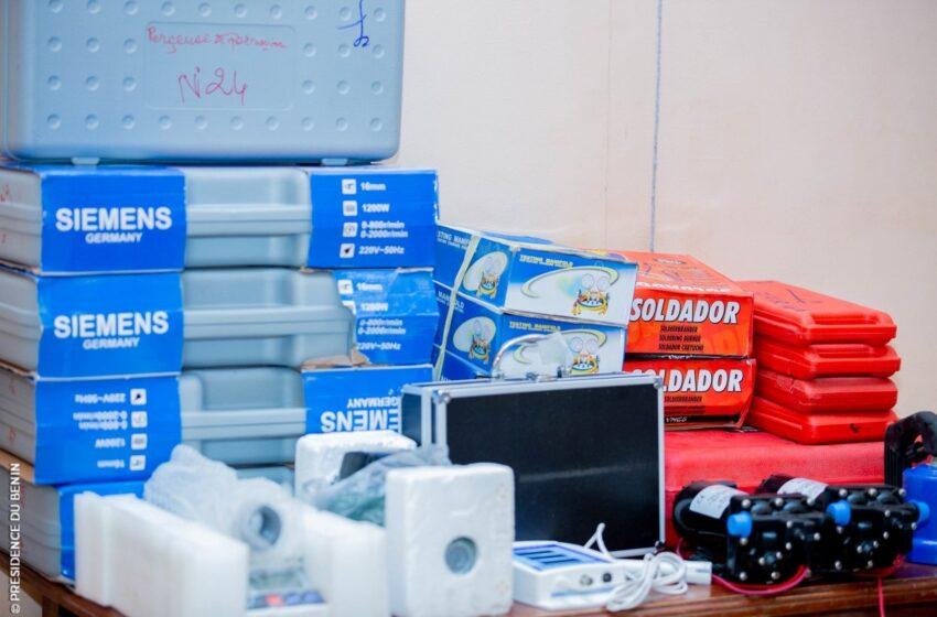 Remise des équipements, matériels et divers manuels: Les établissements de l'EFTP gratifiés